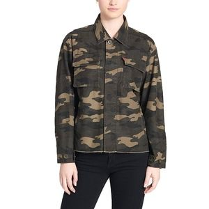 Levi's High Low Shirt Jacket Camo Size Medium NEW